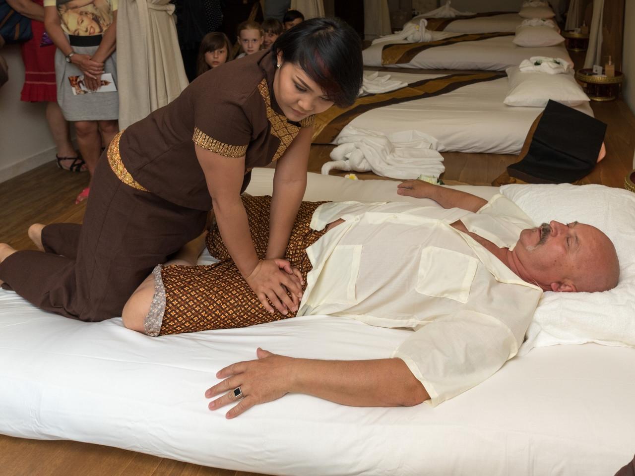 Contatto fisico e Massaggio Thailandese